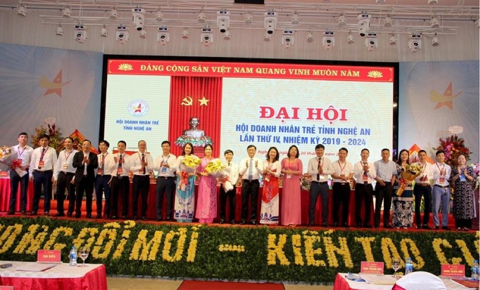 Đại hội Hội doanh nhân trẻ tỉnh Nghệ An nhiệm kỳ 2019-2024 đã bầu Ban chấp hành nhiệm kỳ mới với 26 thành viên